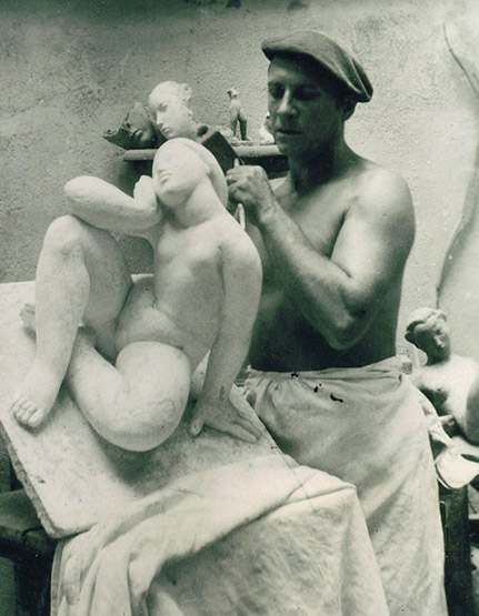 sculptor-at-work