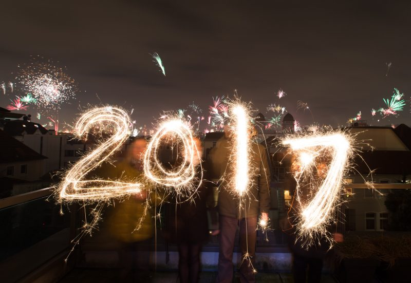 People using sparklers to spell out 2017
