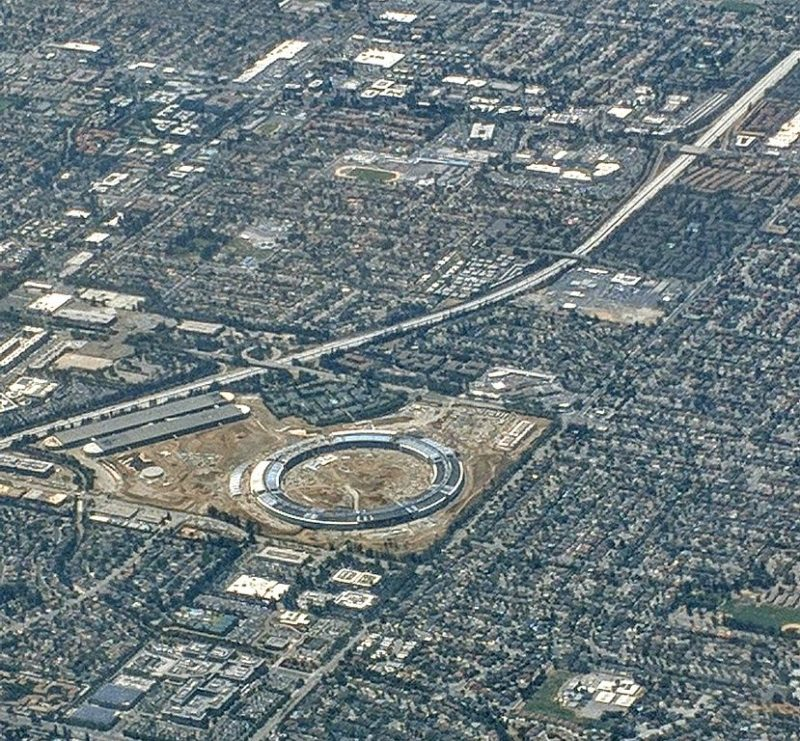 Apple_Campus