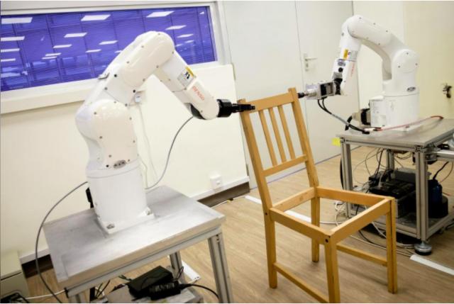 Robots-Ikea-chair