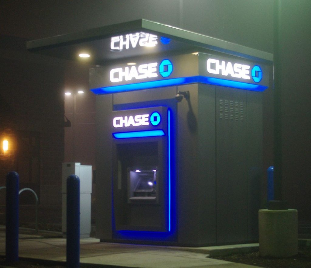 Chase_ATM_at_48th_side_-_Hillsboro,_Oregon