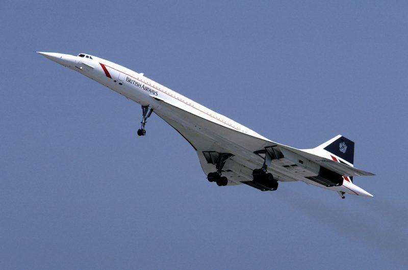 British_Airways_Concorde_G-BOAC_03