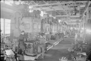 The_British_Machine_Tool_Industry-_the_Manufacture_of_Industrial_Tools_and_Equipment,_UK,_1945_D25150