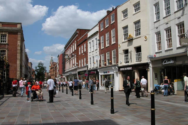 Worcester_High_Street_-_geograph.org.uk_-_193316