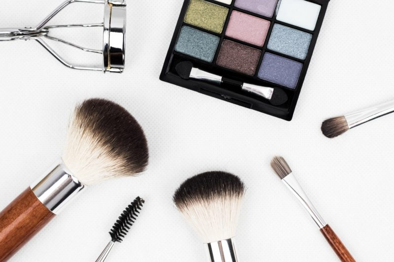 brush-makeup-make-up-eyelash-makeup-brush-human-body-394943-pxhere.com