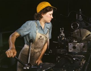 1024px-WomanFactory1940s