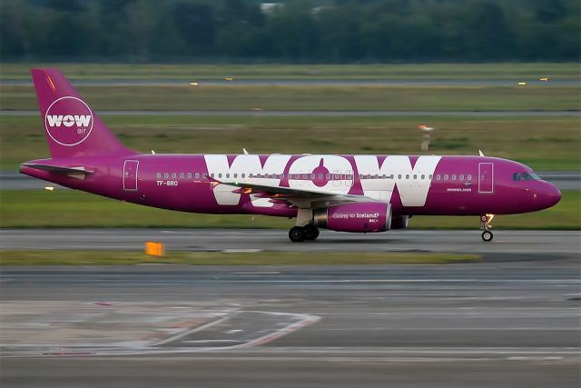 WOW_air,_TF-BRO,_Airbus_A320-232_(27839059423)