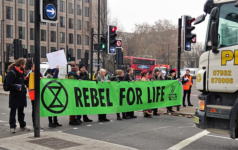 800px-London_November_23_2018_(19)_Extinction_Rebellion_Protest_Tower_Hill