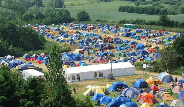 800px-Vig_Festival_2010_(camp)
