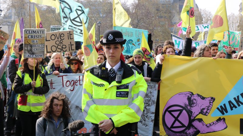 extinction-rebellion-london-police-offer-2772602