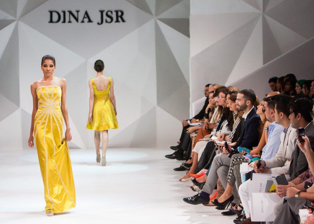 fashion-show-1746582_1920