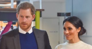 Prince_Harry_and_Ms._Markle_visit_Catalyst_Inc_(41014635231)_(cropped)