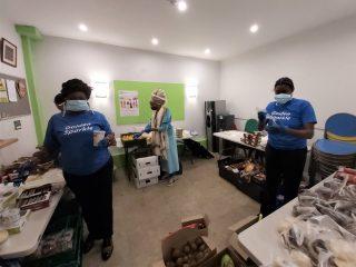 Packing food parcels 14.04.20 (2)
