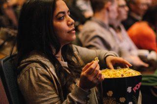 movies-and-popcorn_t20_g8yzwx