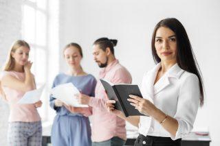 side-hustle-money-making-entrepreneurs-skill-based-work-earn-extra-money-boss-group-office-workers_t20_8Owd1B