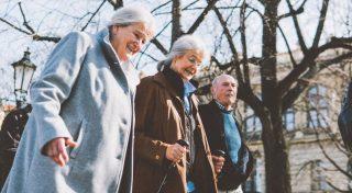 friends-seniors-on-the-street_t20_Qz6NjW