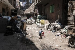 egypt-garbage-city_t20_ne46eK